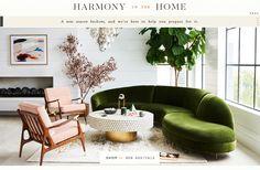 38 Green Velvet Sofa Design Ideas to Makeover Your Living Room - Possible Decor Living Room Designs, Living Room Decor, Living Spaces, Gebogenes Sofa, Divan Sofa, Sectional Sofas, Casa Pop, Anthropologie Home, Curved Sofa