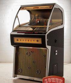 Jukebox Rocket 88 ash Black Vintage Diner, Vintage Ads, Vintage Photos, Jukebox, Old Fashioned Love, Soda Machines, Old Stove, Radio Antigua, Radios