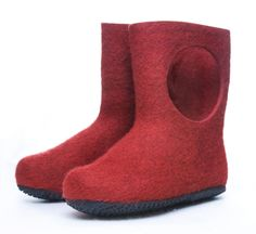 HUOPATOSSUT - Red Booties design by Aki Choklat for Lahtiset, Jämsä Finland. Made of thick 100% wool felt with natural rubber soles.