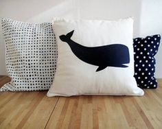 So using these steps for christmas gift! Iron-on applique pillow tutorial Applique Pillows, Iron On Applique, Silhouette Projects, Kids Silhouette, Silhouette Cameo, Diy Art Projects, Sewing Projects, Kids Pillows, Throw Pillows