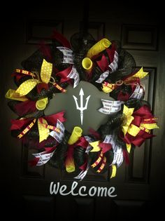 ASU Wreath,Go Sundevils! College Graduation Parties, Graduation Day, Grad Parties, Dorm Wreath, Asu Dorm, Party Themes, Party Ideas, Arizona State University, Craft Day