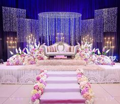 Fruitful advertised simple wedding decorations here are the findings Wedding Backdrop Design, Desi Wedding Decor, Wedding Stage Design, Wedding Reception Backdrop, Wedding Entrance, Wedding Mandap, Wedding Receptions, Wedding Designs, Wedding Table
