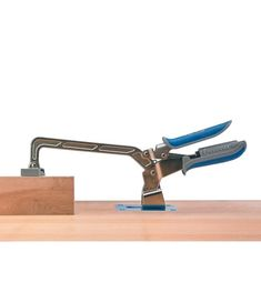 Clamp Plate & Posts for Kreg Hold-Down Clamps - Lee Valley Tools Festool Mft 3, Rip Dog, Assemblage, Work Surface, Lee Valley, Clamp, Hand Tools, Hold On, Woodworking