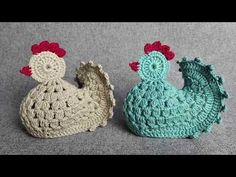 How to Crochet the Chicken - Crafting Time Crochet Animal Patterns, Stuffed Animal Patterns, Knitting Patterns Free, Easter Placemats, Crochet Placemats, Easter Crochet, Crochet Baby, Crochet Chicken, Crochet Boots