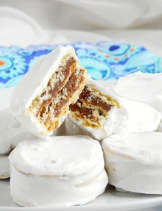 Alfajores santafesinos / Miicakes Argentina Food, Argentina Recipes, Cookie Recipes, Dessert Recipes, Chilean Recipes, Cookies And Cream, Sweet Recipes, Sweet Treats, Food And Drink