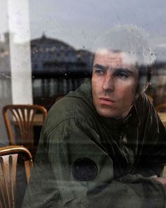 Liam Gallagher Phones His Dog From Los Angeles Gene Gallagher, Liam Gallagher Oasis, Natalie Appleton, Oasis Band, British Rock, Britpop, Pretty Green, Paul Mccartney, Music Bands