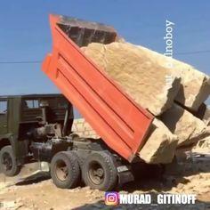 Как вы думаете сколько тонн? ________REPOST FROM________  @dalnoboi_tm    FOLLOW @murad_gitinoff   #johndeere  #heavyequipment  #excavator #bulldozer  #caterpillar #equipment #motorgrader #экскаватор #грейдер #бульдозер #спецтехника #truck #motor #diesel#колеса#гусеница#мотор#дизель#строительство#дороги#construction#асфальт#asfalt