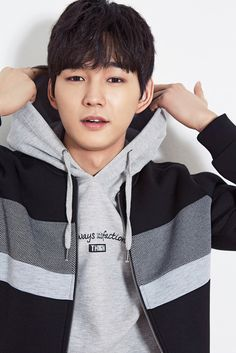 Lee Won Guen was chosen for the Chase Cult model, we think they made the correct choice. Check it out! Source   Top Star News