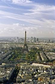 Similar to my first glimpse of la tour Eiffel  from the airplane, one of the most exciting moments of my recent life...