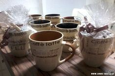 COFFEE TIME SET - 2 Maxi KAFFEE TASSEN NEUWARE ♥ 2 Maxi Kaffeetassen , modernes Design , wunderschön aus Keramik gearbeitet ♥ 1 x Dunkel / 1x Hellbraun (Henkel / Schrift/ Innenfarbe) www.angel-bazar.de
