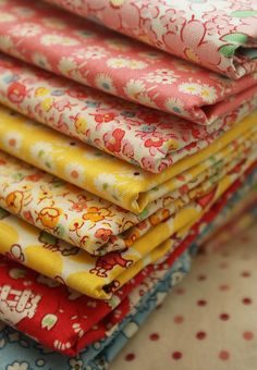 Lovely reproduction prints - would make beautiful aprons.