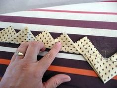 Prairie points with one continuous strip of fabric. Great tutorial on how this is done. From Pieces of Rana's Life..