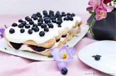 Blaubeer-Tiramisu - Eine köstliche Variante zum italienischen Klassiker. Rezept für ein fruchtiges Sommer-Dessert mit cremiger Mascarpone, ohne rohe Eier.