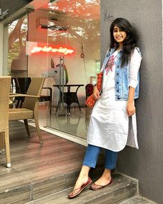51 Stylish Office Jeans Ideas To Try Right Now is part of Kurti with jeans - Clothes are readily available to all that will downplay what we don't like, but, what's more, enhance that which we […] Designer Kurtis, Indian Designer Suits, Designer Dresses, Dress Indian Style, Indian Wear, Indian Outfits, Western Outfits, Indian Tunic, Western Dresses