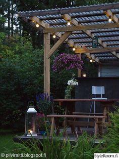 kesäkeittiö,terassi,piha,puutarha,kesäkukat