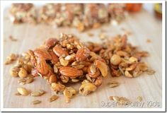 Sweet Nut Clusters Recipe For Your Sweeties - Super Healthy Kids Brittle Recipes, Nut Recipes, Great Recipes, Snack Recipes, Cooking Recipes, Favorite Recipes, Healthy Recipes, Costco Recipes, Healthy Foods