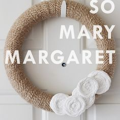 That's so Mary Margaret: Easy DIY wreath - Splash of Something Diy Craft Projects, Decor Crafts, Diy Home Decor, Diy Crafts, Diy Wreath, Wreaths, Mary Margaret, Christmas Time Is Here, Fall Crafts