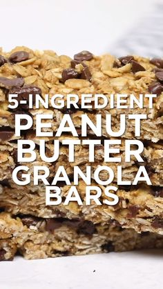 Granola Bars Peanut Butter, Chocolate Chip Granola Bars, Healthy Granola Bars, Chewy Granola Bars, Peanut Butter Recipes, Gluten Free Granola Bar Recipe, Healthy Granola Recipe, Healthy Bars, Peanut Butter Chips