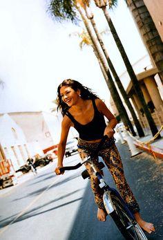 Catherine Zeta-Jones #cycling #celebrities #cyclingcelebrities