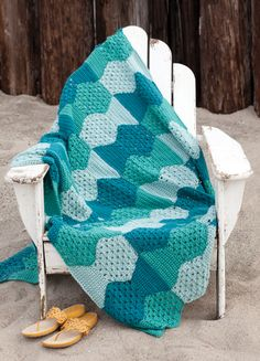 School of fish blanket. pattern from Crochet Today, July Crochet Fish, Love Crochet, Crochet Yarn, Crochet Afghans, Crochet Granny, Blanket Crochet, Green Blanket, Afghan Blanket, Ripple Afghan