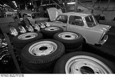 Production of the last Trabant in Ddr Brd, East Germany, Life Pictures, Popular Culture, Pop Culture, Monster Trucks, Peace, Interiors, Design