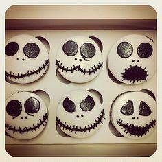 Faces of Jack Skellington Cupcakes