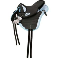 This black/blue Barefoot Cheyenne Bellis treeless saddle is pony sized for children. Made of water repellent Dry Tex, this treeless saddle is easy to clean with a wet sponge. The Barefoot treeless saddle has a panel system to protect the pony´s spine.