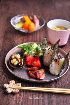 A little bit of Japan Easy Japanese Recipes, Japanese Dishes, Japanese Food, Asian Recipes, Japanese Snacks, Sushi, Enjoy Your Meal, Plate Lunch, Mooncake
