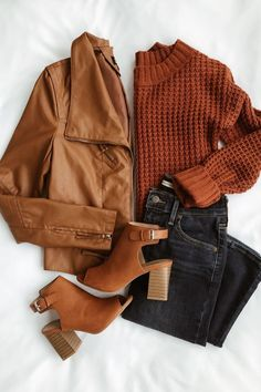 Weekday or not, spice up the night with the Lulus Up on a Tuesday Camel Vegan Leather Jacket! Decorative topstitching shapes this vegan leather moto jacket. Mode Outfits, Trendy Outfits, Fashion Outfits, Fashion Trends, Fashion Ideas, Fashion Pics, Trending Fashion, Classy Outfits, Fall Winter Outfits