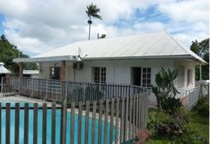 A vendre une belle Villa F4 avec piscine à la Ravine_des_Cabris ile de la Réunion  http://www.ofim-reunion.com/listing/a-vendre-une-belle-villa-f4-avec-piscine-a-la-ravine_des_cabris-ile-de-la-reunion/