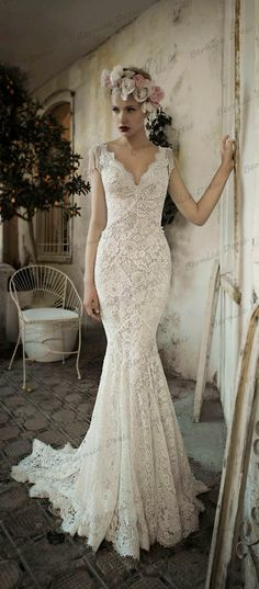 Vestido De Noiva Vintage Backless Wedding Dresses Hot V-Neck Mermaid Court Train Beige Lace Beads Tassel Julie Vino Bridal Dress