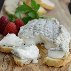 Bonne Bouche - A sublimely runny, creamy and delicious little ash-ripened chevre from Vermont.