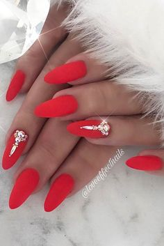 Elegant, Matte Red Nails with Rhinestones Looking for some trendy red acrylic nails? These glam nail designs will have your fingers looking fashionable in no time. Glam Nails, Classy Nails, Hot Nails, Beauty Nails, Red Acrylic Nails, Red Nail Art, Matte Pink Nails, Red Stiletto Nails, Dark Nails