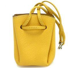 【中古】Hermes(エルメス) ヴェスパチャーム小物入れ/巾着タイプの小物入れです。大きく開きますので小物入れとしてもお使いいただけます。先端のフックを合わせればバッグにも取り付けが可能です。/新品同様・極美品・美品の中古ブランド財布&小物を格安で提供いたします。