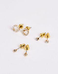 Set 3 pendientes minimal bañados en oro. Descubre ésta y muchas otras prendas en Bershka con nuevos productos cada semana