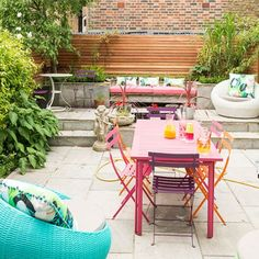 Patio with mix and match furniture | Budget garden ideas | Garden | PHOTO GALLERY | Housetohome.co.uk