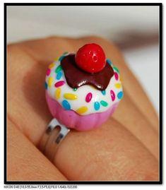 Mignonne bague cupcake