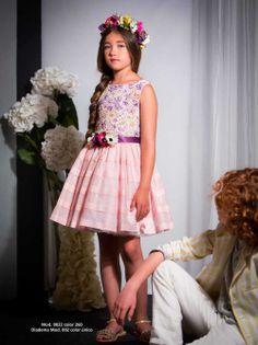 Vestido de niña en voile y encaje de color rosa