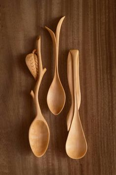 Spoons a Plenty Wooden Spoon Carving, Carved Spoons, Ceramic Spoons, Wood Carving Art, Wood Spoon, Wooden Cheese Board, Love Spoons, Intarsia Wood, Spoon Art