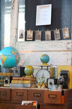 Vintage Cameras This is pretty much what every countertop in our house already looks, but with more diversity. Vintage School Decor, Vintage Home Decor, Globe Art, Globe Decor, Vintage Globe, Interior Windows, Teen Room Decor, School Decorations, Decoupage