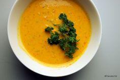 Kokkikartanon täyteläinen lohikeitto. Thai Red Curry, Ethnic Recipes, Food, Meals