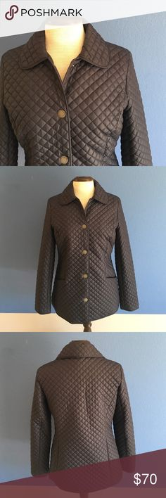"""📍New Listing📍Brooks Brothers Navy Puffer Jacket This lightweight puffer jacket is perfect for your fall to winter needs.  The quilted pattern is classic and cute.  There are pocket on both sides in the front.  Material:  100% Polyester. Measurements:  Length - 27""""/Bust - 19""""/Waist - 17.5"""" Brooks Brothers Jackets & Coats Puffers"""