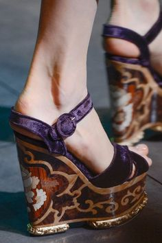 much more of a lovely object. Could never wear it but look at them for hours. Dolce & Gabbana Woman - Fall Winter 2014 2015
