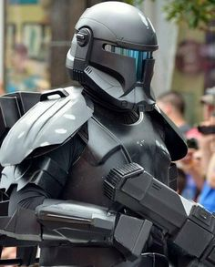 Be the hero or villain you've always dreamed of with these amazing Star Wars Cosplay pieces! Star Wars Clone Wars, Star Wars Helmet, Star Wars Rpg, Star Wars Fan Art, Star Wars Concept Art, Star Wars Pictures, Star Wars Images, Star Wars Commando, Republic Commando