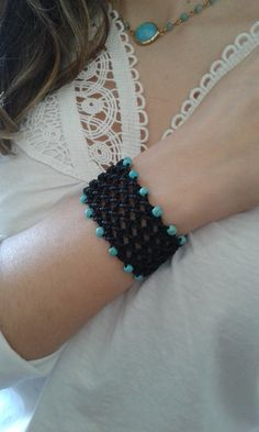 Black macrame net bracelet decorated with turquoise by lulupica