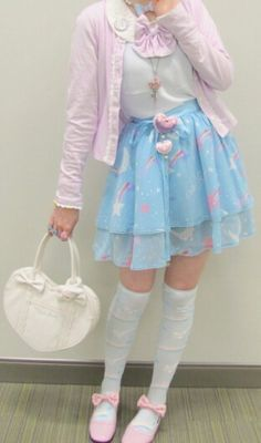 By taking away a petticoat, this angelic pretty skirt becomes great for fairy kei. Very versatile for lolita and fairy kei