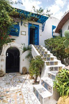 إحجز الآن أفضل فندق أو شقة فندقية في تونس وأكثرها ملائمة لك بسهولة ومع ضمان أرخص سعر، لا تحجز قبل أن تتعرف على مساعدنا الرقمي لحجز الفنادق