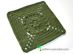 Free crochet pattern: Tranquil Garden Afghan Square (Rosary Hill Blanket CAL) by Pattern Paradise