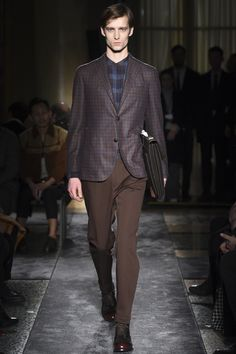 See the complete Boglioli Fall 2016 Menswear collection.