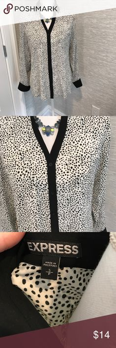 Express portofino blouse Excellent, used condition. Pet/smoke free home. Measures approx 23 in shoulder to hem. Beautiful and flawless! Bundle for extra savings. Necklace is not included. Express Tops Button Down Shirts